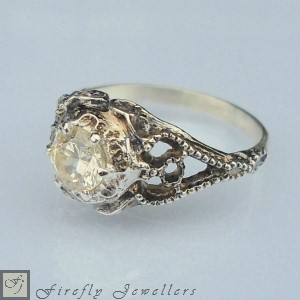 F14V - Vintage style engagement ring in solid white gold